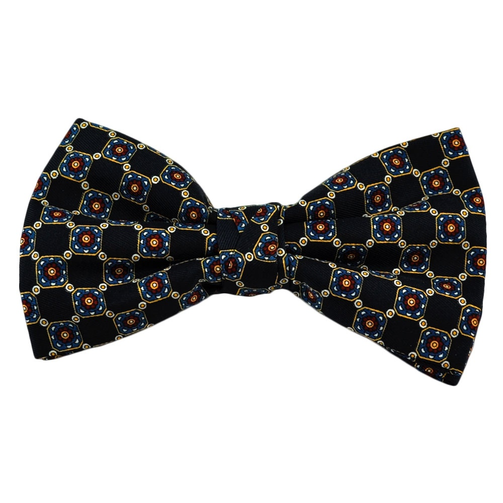 Navy Polka Dot Silk Bow Tie. Navy Polka Dot Silk Bow Tie, good quality shown throughout. In: Bow Ties. £ Pre-Tied Plain Light Blue Silk Bow Tie. In: Bow Ties. £ £? View Product Add To Cart Pre-Tied Plain Dark Green Silk Bow Tie. In: Bow Ties.