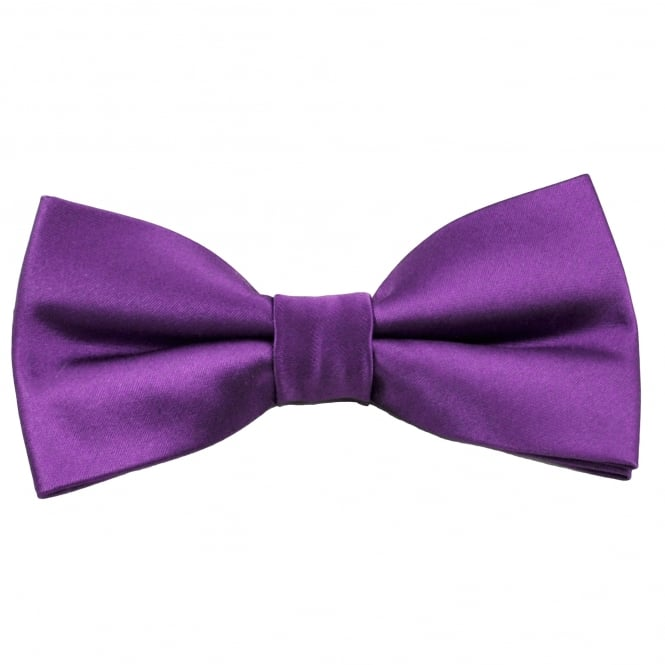 Boys' ties can be smartly colour coordinated to shirts or jackets while ties in bold designs can turn a jean and shirt into an outfit with fashionable flair. Boys' bowties in shades that complement bridesmaids' dresses add the final flourish to wedding colour schemes when worn by cute page boys.